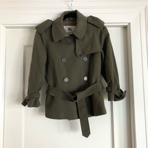 Burberry wool jacket with pleats in back
